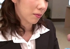 Hitomi Oki illusion eager to palce this dick relative to their way prudish twat