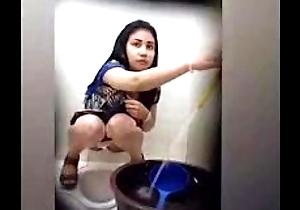 Beaufitul Woman Peeing Surpassing Toilet