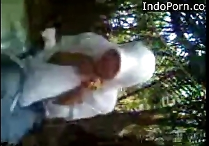 anak MA jilbab ngentot di hutan- Indo